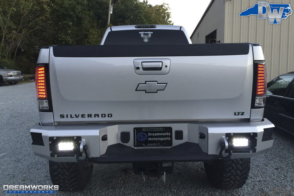 Chevrolet_Silverado_2500_By_Dreamworks_Motorsports-7.jpg