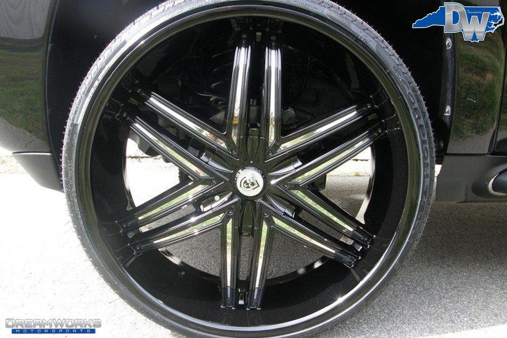 Chevrolet_Suburban_By_Dreamworks_Motorsports-6.jpg