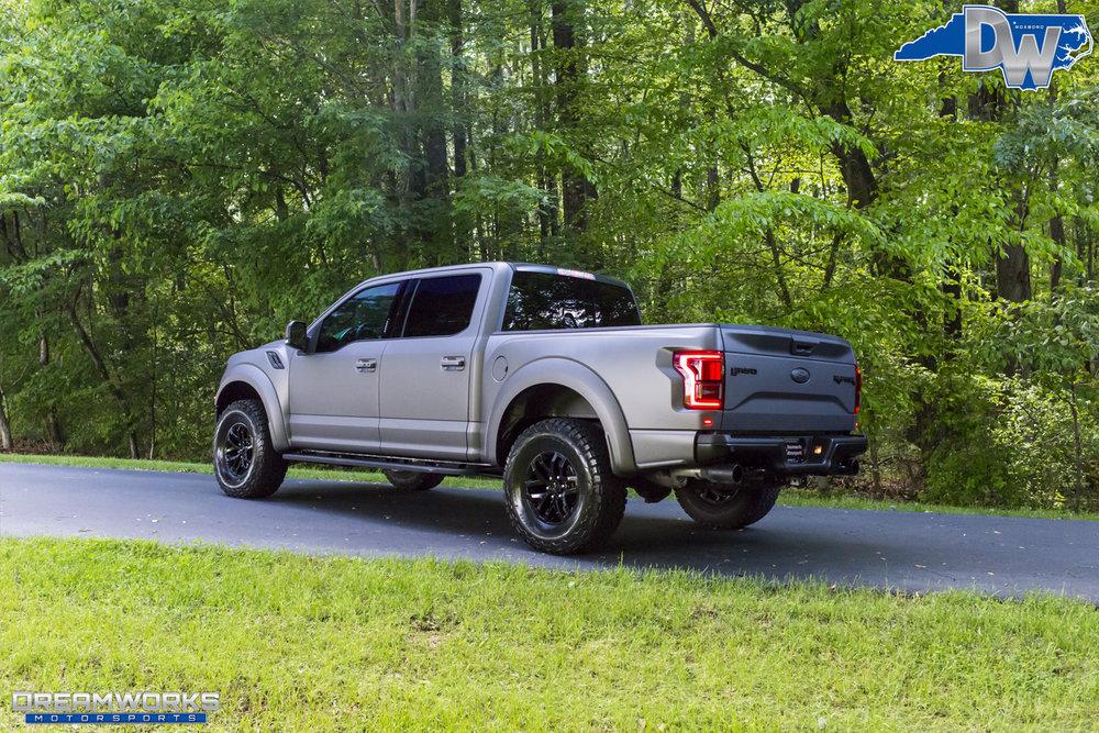 Matte-Grey-Ford-Raptor-Dreamworks-Motorsports-3.jpg