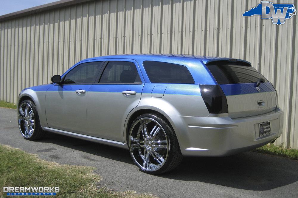 Dodge_Magnum_By_Dreamworks_Motorsports-3.jpg