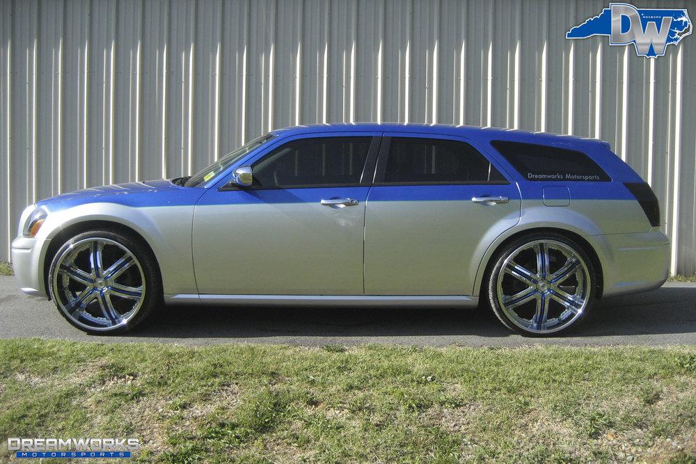 Dodge_Magnum_By_Dreamworks_Motorsports-11.jpg