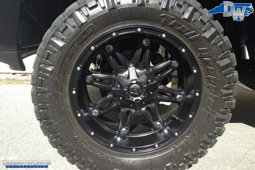 Dodge_Ram_1500_By_Dreamworks_Motorsports-4.jpg