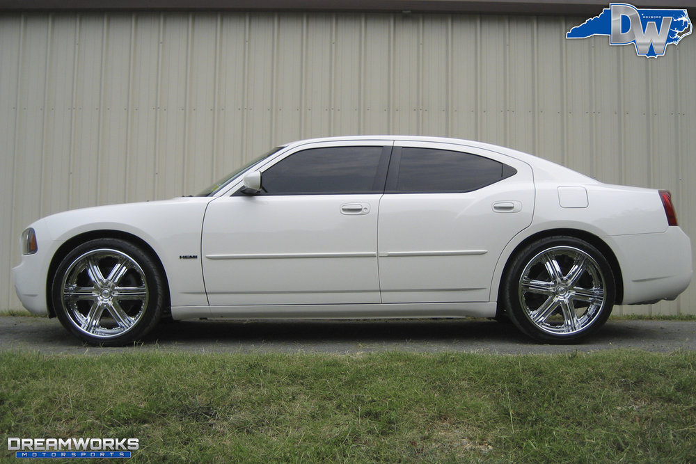 Dodge_Charger_By_Dreamworks_Motorsports-1.jpg