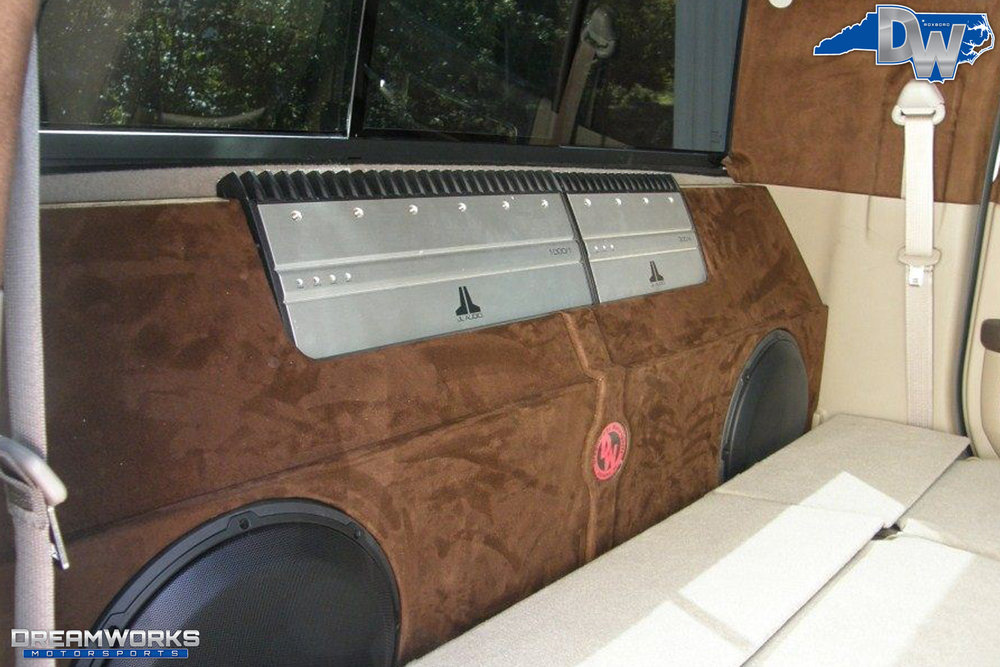 Dodge_Ram_2500_By_Dreamworks_Motorsports-6.jpg