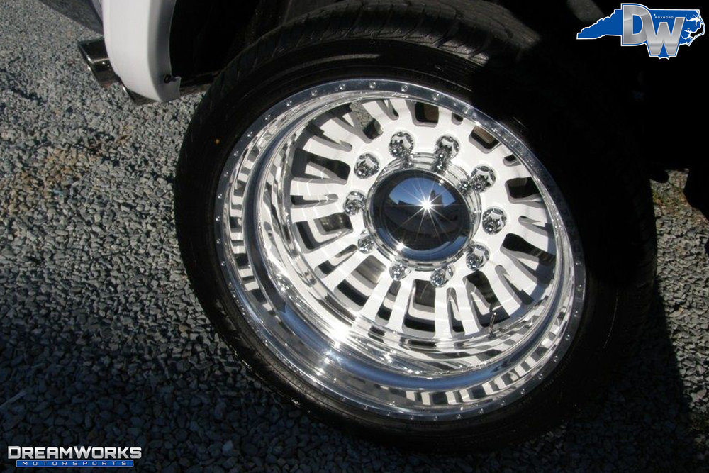Dodge_Ram_2500_By_Dreamworks_Motorsports-10.jpg