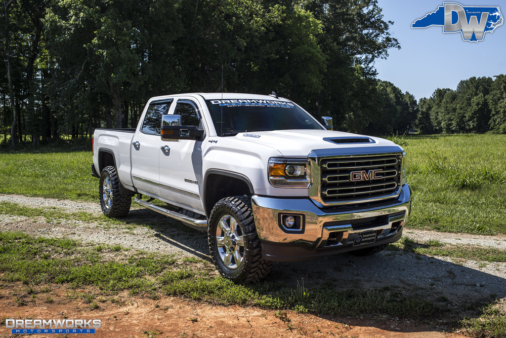 GMC_By_Dreamworks_Motorsports-17.jpg