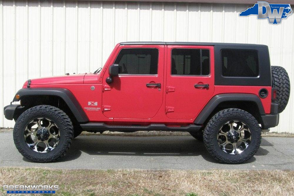 2010-Jeep-Wrangler-Unlimited-Dreamworks-Motorsports-2.jpg