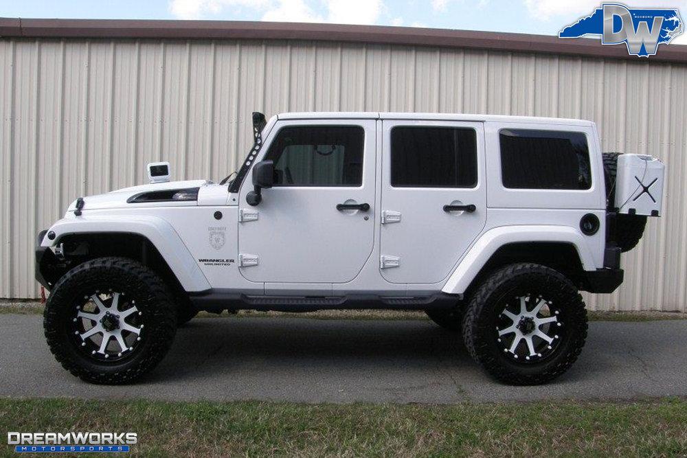2011-Jeep-Wrangler-Dreamworks-Motorsports-1.jpg