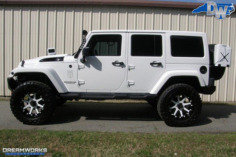 2011-Jeep-Wrangler-Dreamworks-Motorsports-4.jpg