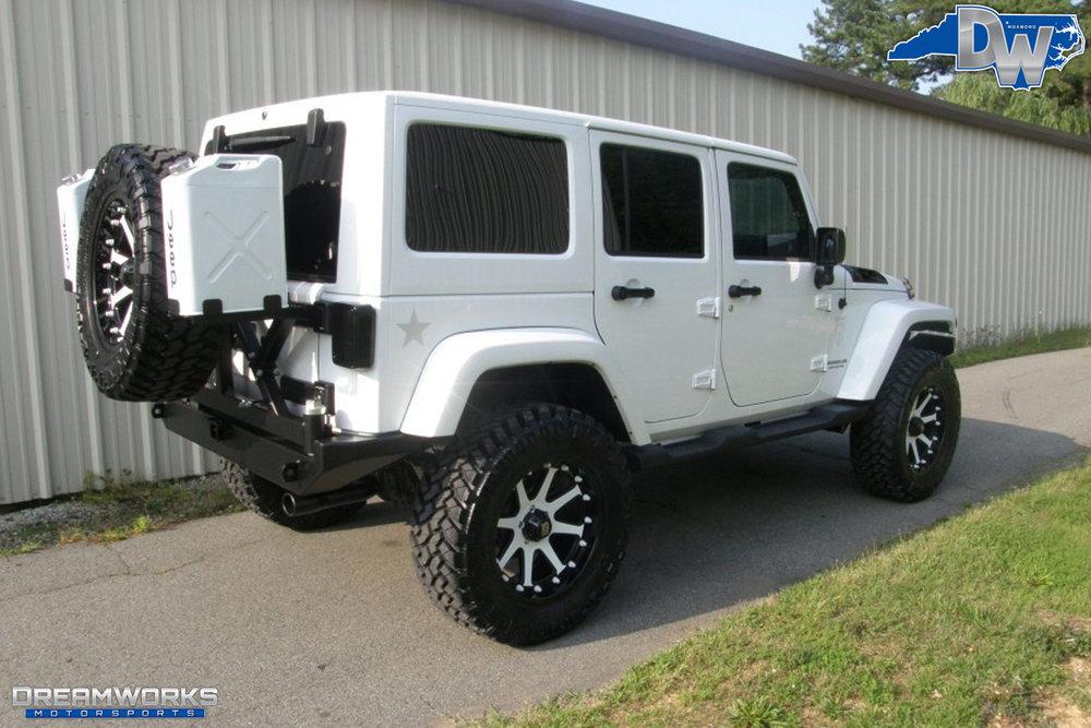 2011-Jeep-Wrangler-Dreamworks-Motorsports-10.jpg