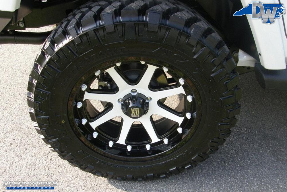 2011-Jeep-Wrangler-Dreamworks-Motorsports-12.jpg