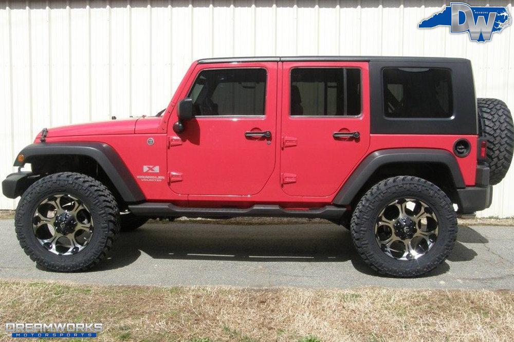 2010-Jeep-Wrangler-Unlimited-Dreamworks-Motorsports-6.jpg