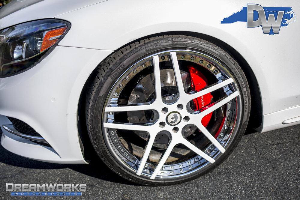 White-Mercedes-S550-on-Forgiato-Wheels-Dreamworks-Motorsports-6.jpg
