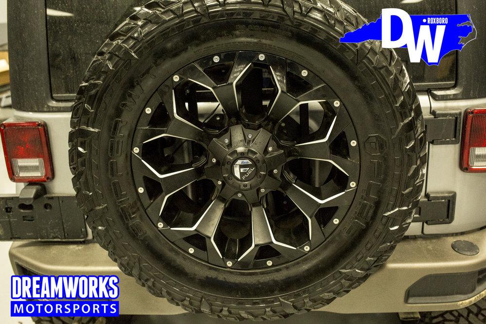 Jeep_Wrangler_Unlimited_By_Dreamworks_Motorsports-1.jpg