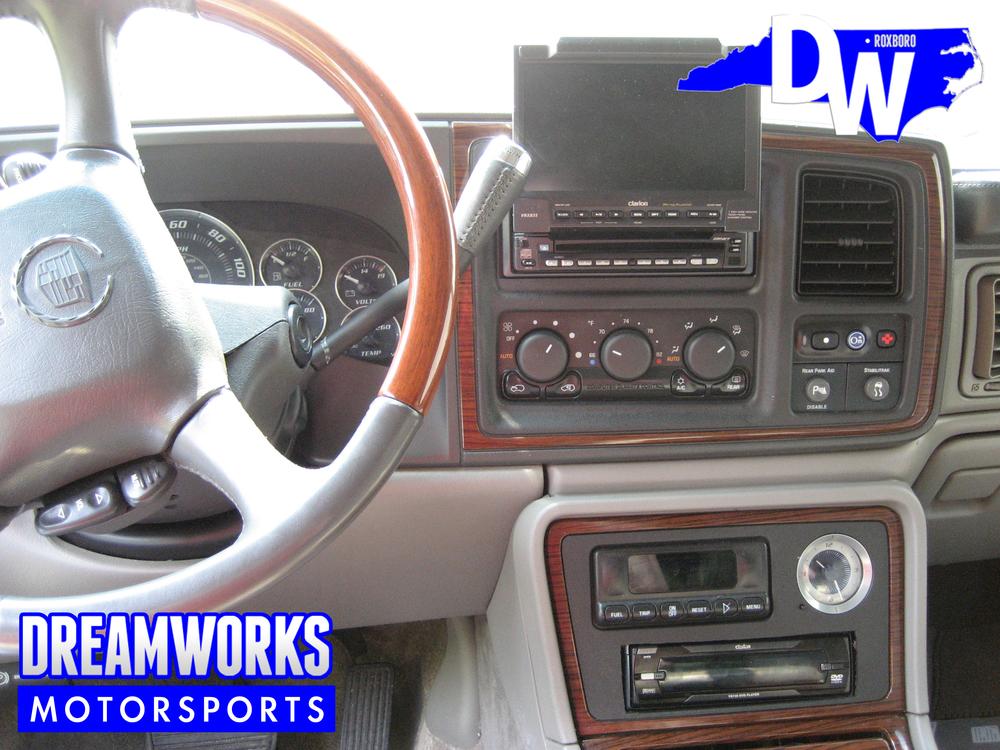 02-Cadillac-Escalade-Dreamworks-Motorsports-3.jpg