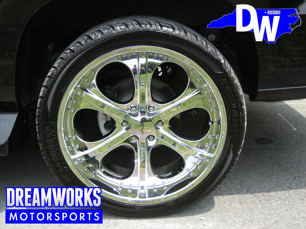 Cadillac-Escalade-ESV-Dreamworks-Motorsports-4.jpg