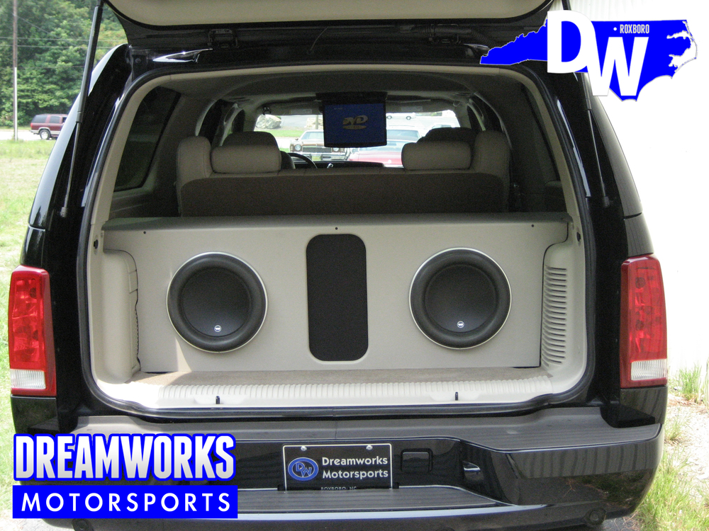 Cadillac-Escalade-ESV-Dreamworks-Motorsports-5.jpg