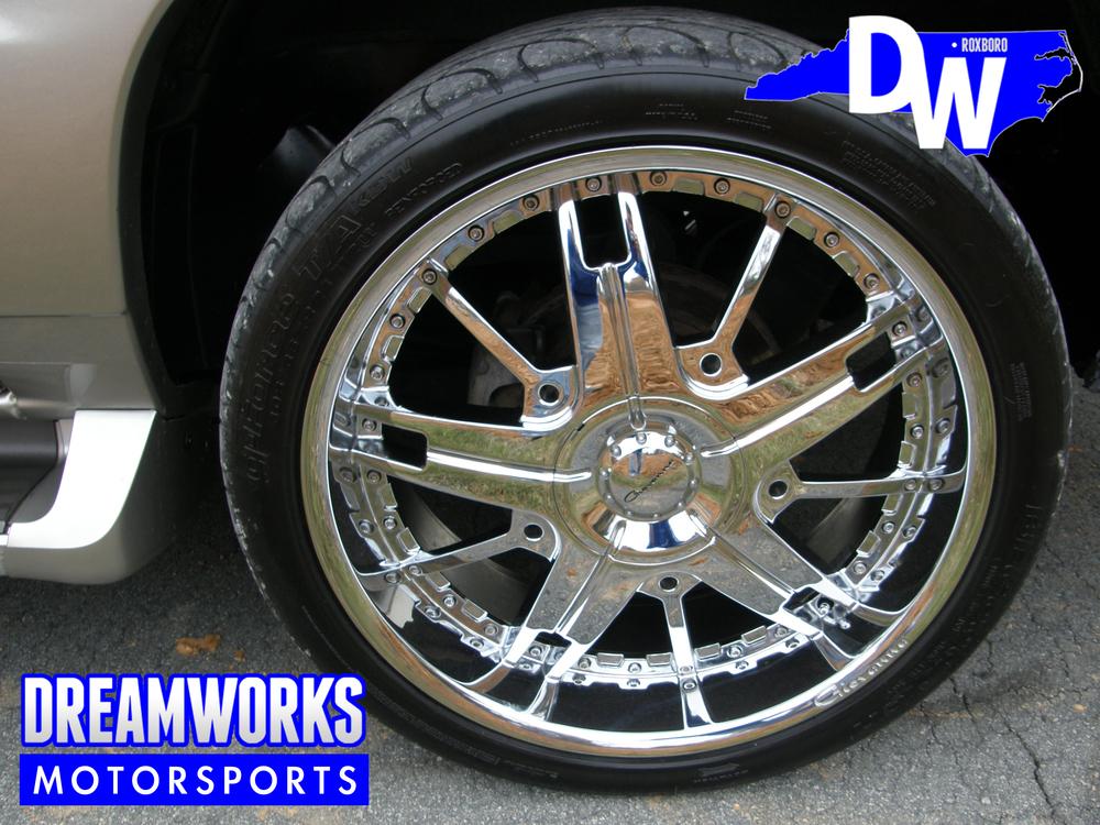 Cadillac-Escalade-EXT-Giovanna-Dreamworks-Motorsports-3.jpg