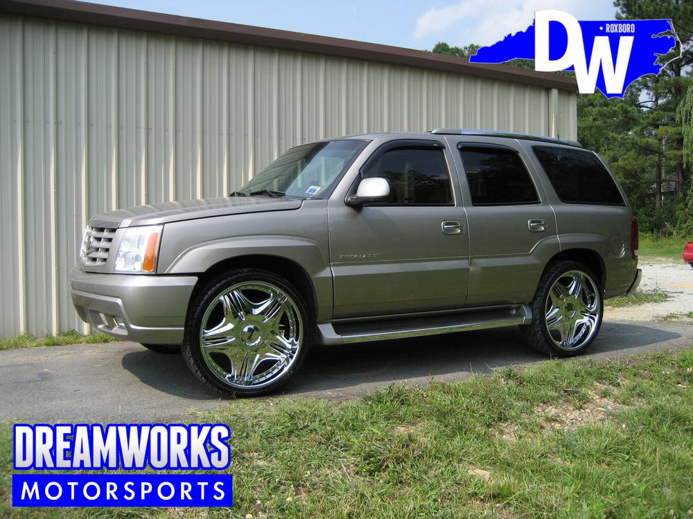 02-Cadillac-Escalade-Dreamworks-Motorsports-2.jpg
