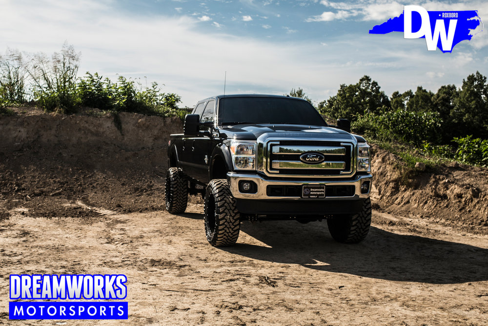 Black-Ford-F250-Super-Duty-Dreamworks-Motorsports-12.jpg
