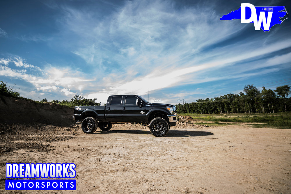 Black-Ford-F250-Super-Duty-Dreamworks-Motorsports-14.jpg