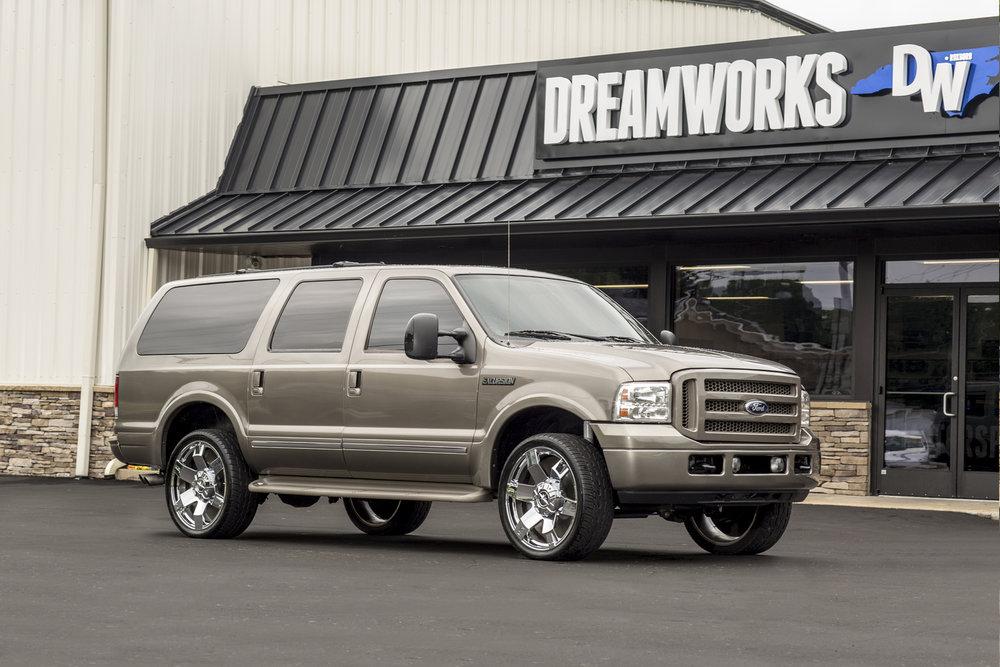 Ford-Excursion-Dreamworks-Motorsports-1.jpg