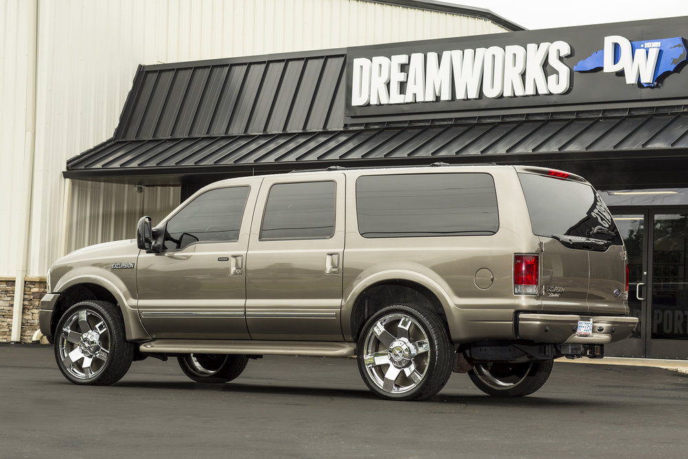 Ford-Excursion-Dreamworks-Motorsports-3.jpg