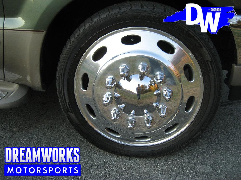 Ford-F350-Semi-Wheels-Dreamworks-Motorsports-4.jpg