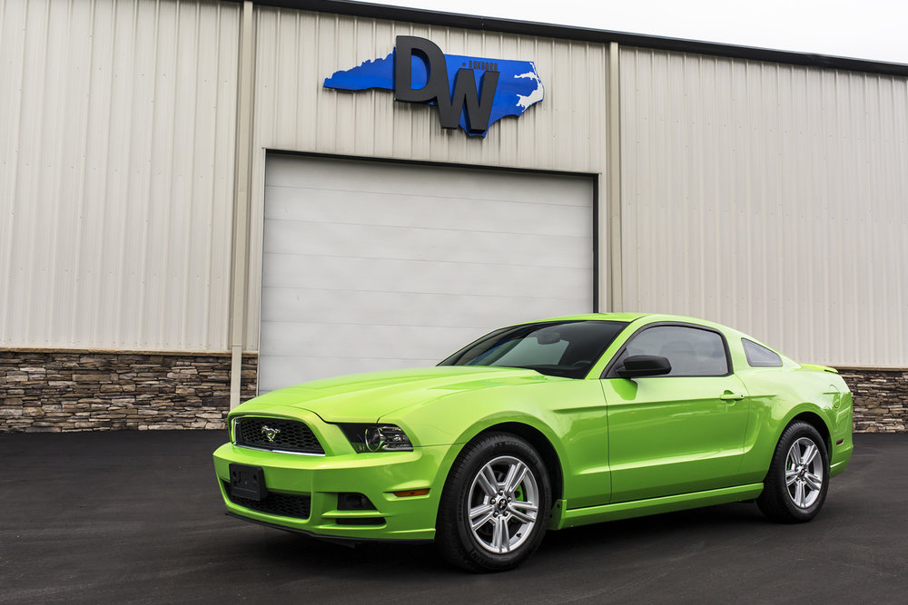 Green-Mustang-Dreamworks-Motorsports-4.jpg