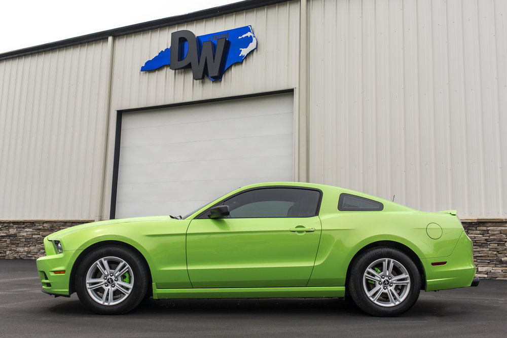 Green-Mustang-Dreamworks-Motorsports-5.jpg