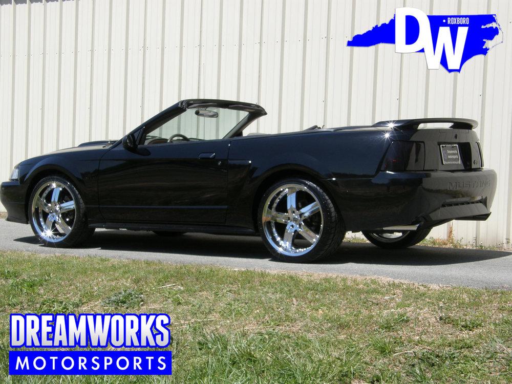 Ford-Mustang-GT-American-Racing-Dreamworks-Motorsports-3.jpg
