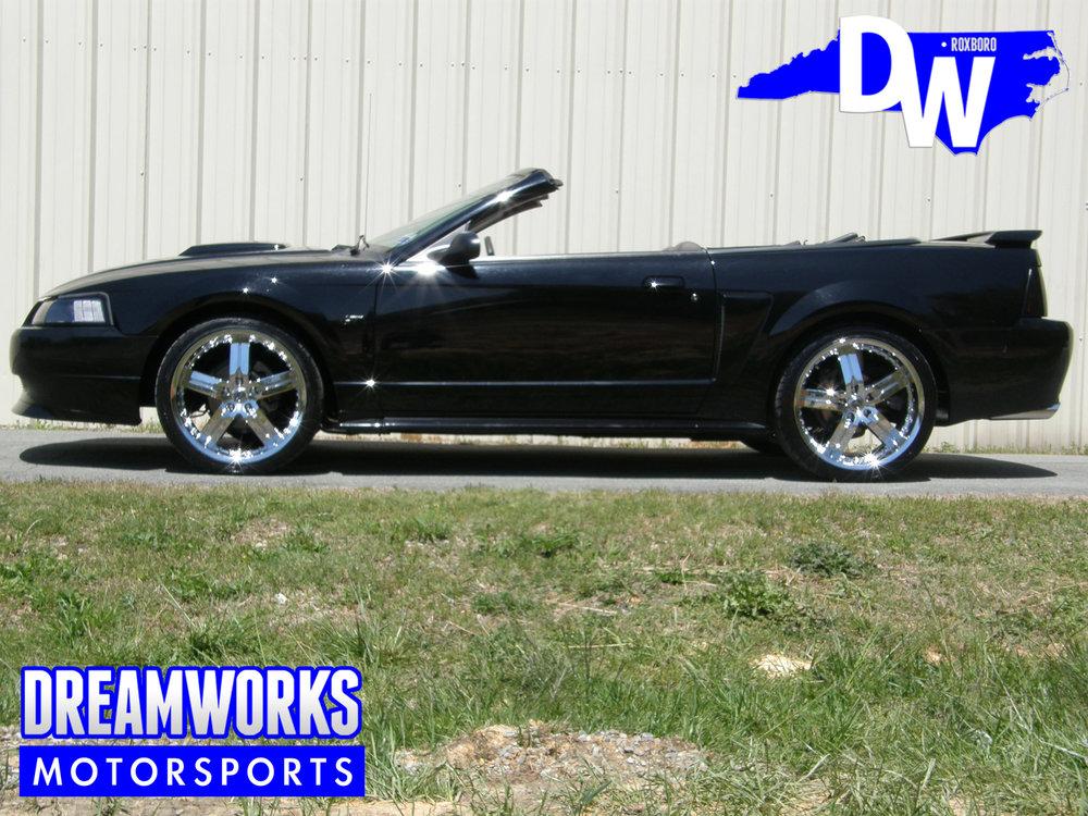 Ford-Mustang-GT-American-Racing-Dreamworks-Motorsports-2.jpg