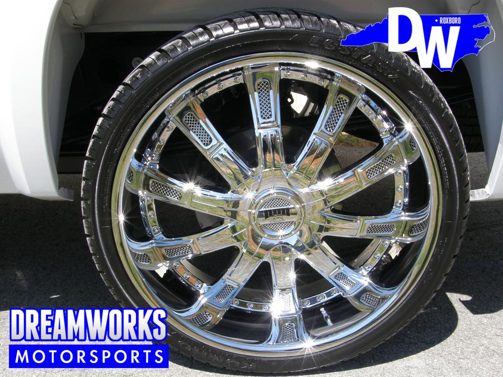 GMC-Denali-DUB-Dreamworks-Motorsports-3.jpg