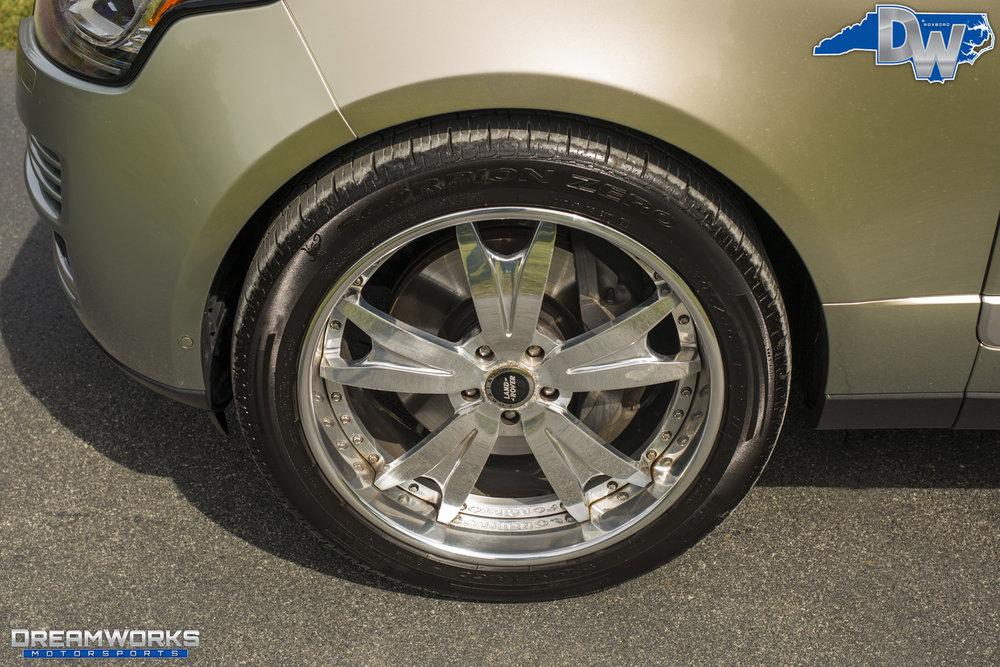 Gold-Range-Rover-Dreamworks-Motorsports-4.jpg