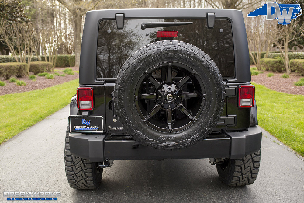 Black-Jeep-Fuels-Dreamworks-Motorsports-8.jpg