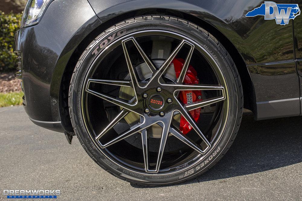 Black-Range-Rover-Dreamworks-Motorsports-14.jpg