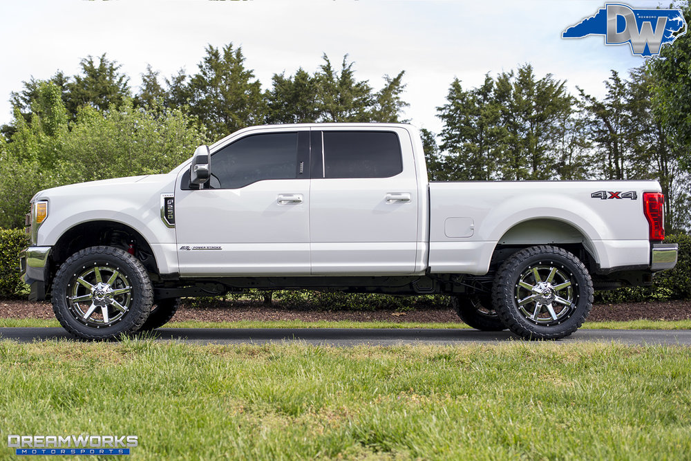 White-Ford-F250-Super-Duty-Dreamworks-Motorsports-4.jpg