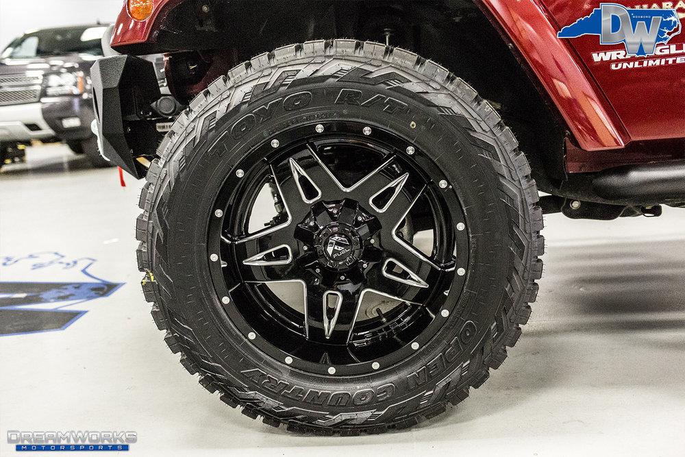 Burgundy-Jeep-Dreamworks-Motorsports-9.jpg