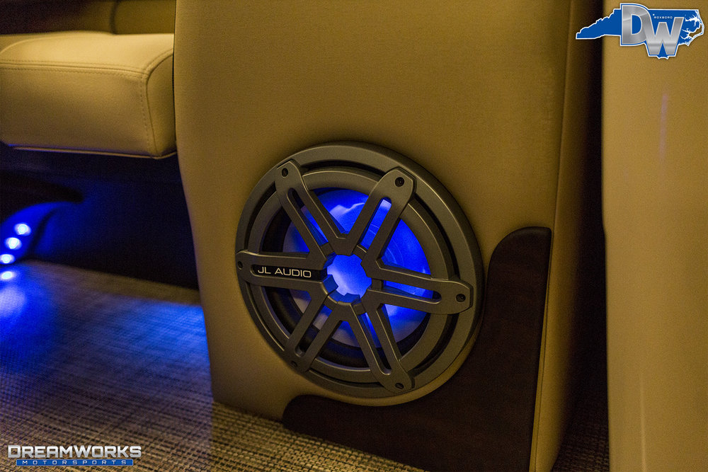 Pontoon-Boat-Dreamworks-Motorsports-3.jpg