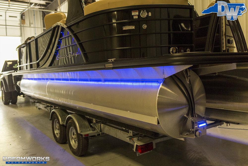 Pontoon-Boat-Dreamworks-Motorsports-7.jpg