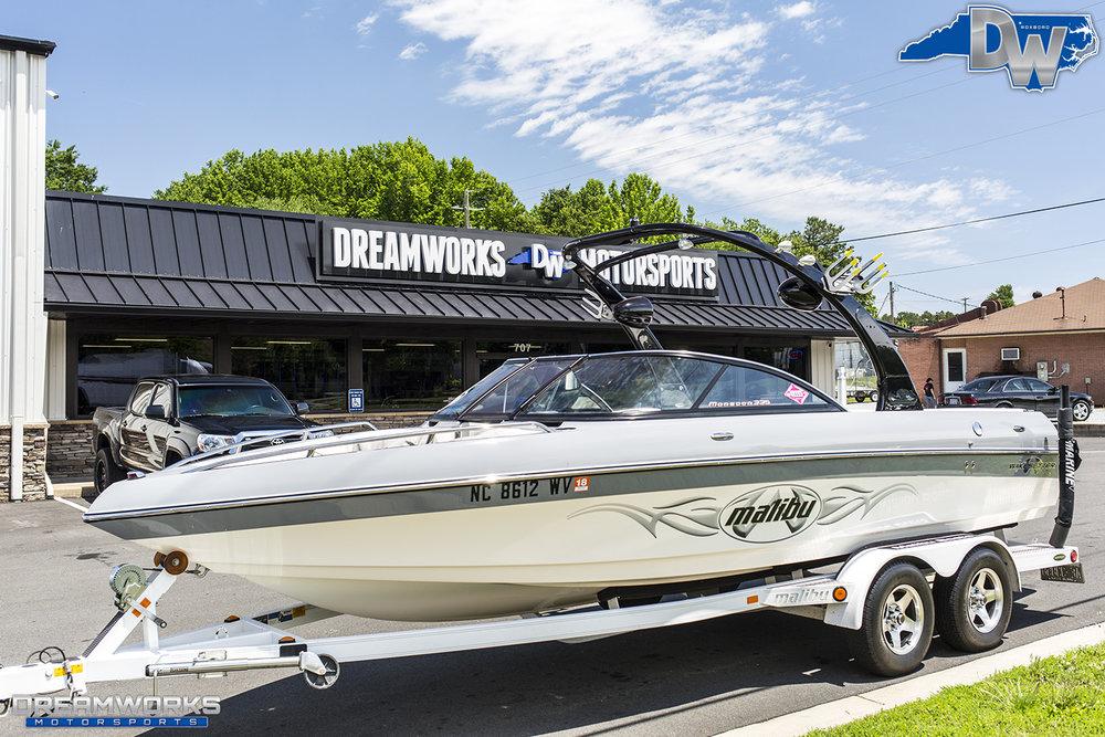 Grey-Malibu-Boat-Dreamworks-Motorsports-3.jpg