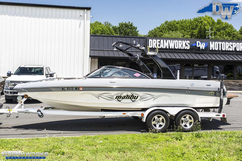 Grey-Malibu-Boat-Dreamworks-Motorsports-4.jpg
