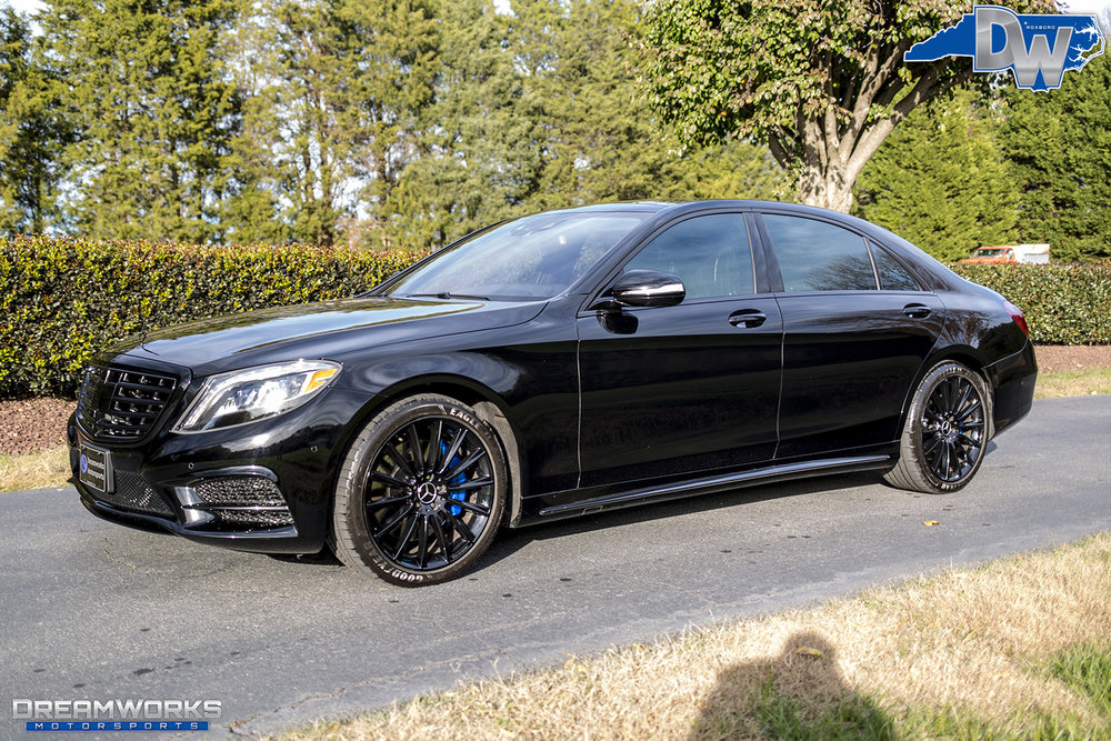 Black-Benz-Blue-Brakes-Dreamworks-Motorsports-2.jpg