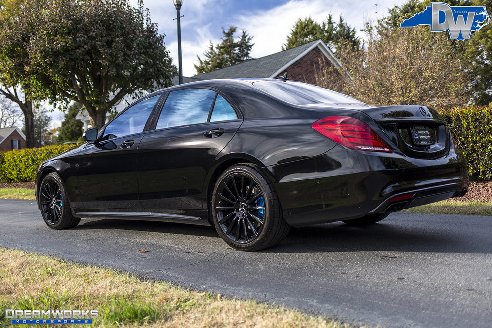 Black-Benz-Blue-Brakes-Dreamworks-Motorsports-3.jpg