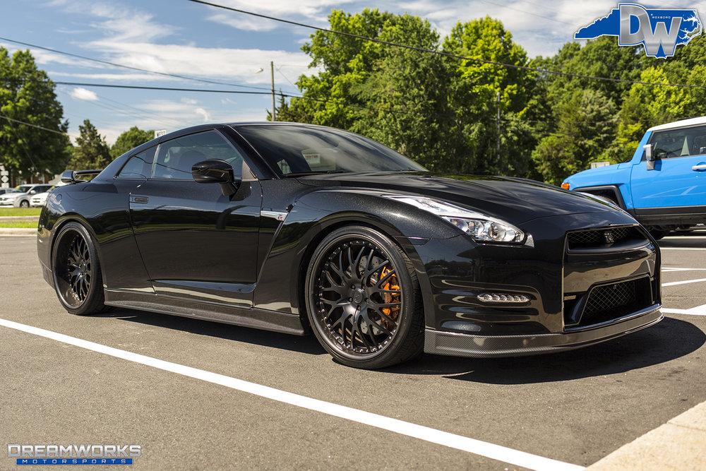 Black-Nissan-GTR-Dreamworks-Motorsports-2.jpg