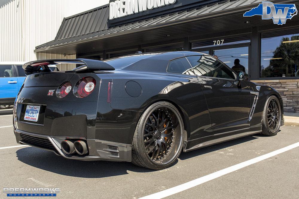 Black-Nissan-GTR-Dreamworks-Motorsports-5.jpg