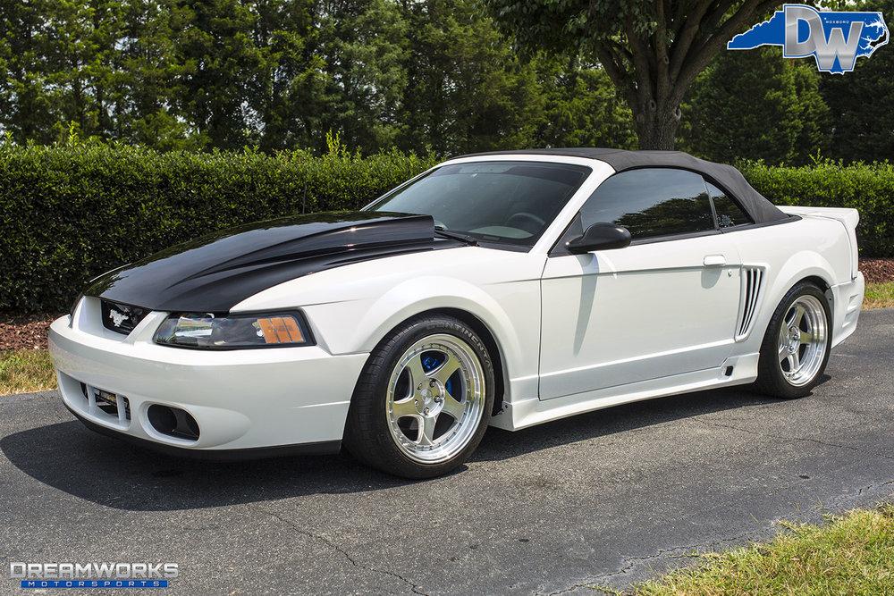 White-Saleen-Mustang-Dreamworks-Motorsports-9.jpg