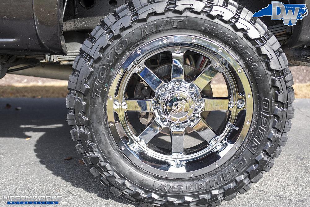 Charcoal-GMC-Sierra-Dreamworks-Motorsports-6.jpg