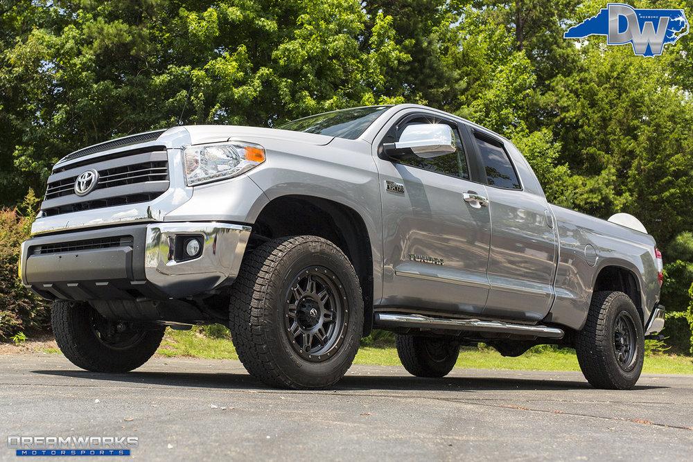 Silver-Toyota-Tundra-Dreamworks-Motorsports-7.jpg