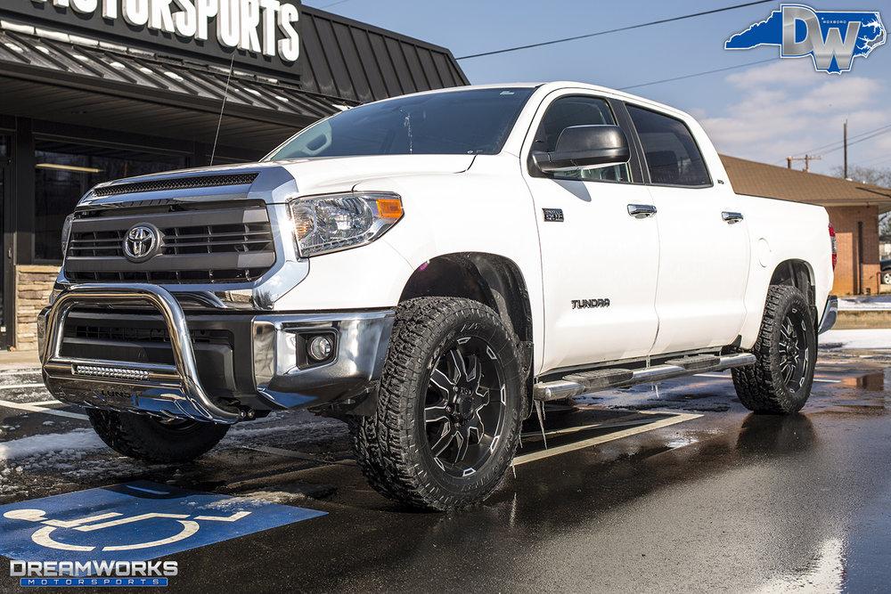White-Toyota-Tundra-Dreamworks-Motorsports-2.jpg